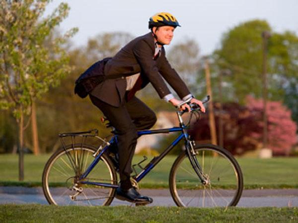 на роботу на велосипеді